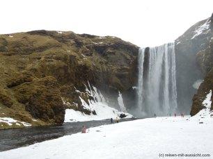 Island_skogafoss