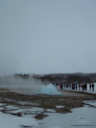 Island_Strokkur_Wasserblase
